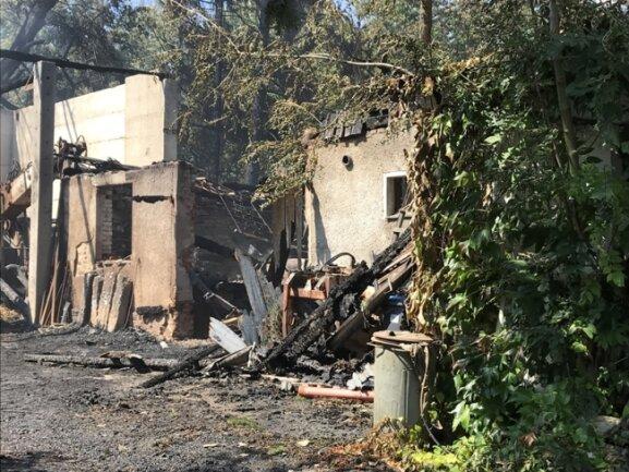Auch am Donnerstag rückte die Feuerwehr wieder zum Brandort aus.