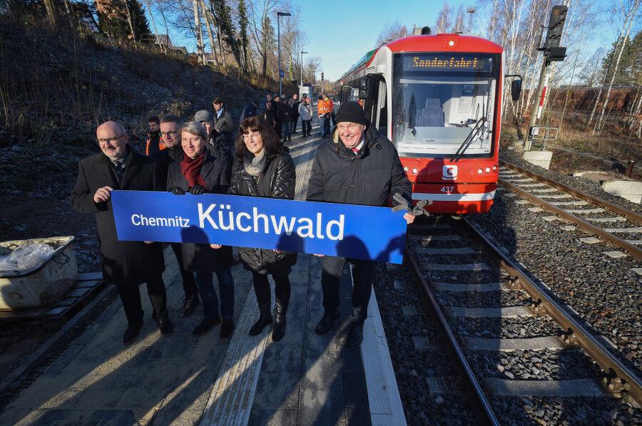 Der Haltepunkt Chemnitz Küchwald wurde heute in Betrieb genommen, dort halten ab sofort Züge zwischen Burgstädt und Chemnitz.