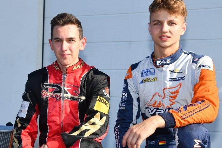 Die Kartfahrer Colin Sandner (l.) und Simon Connor Primm wollen in ein paar Jahren bei der Rennserie ADAC GT Masters durchstarten.