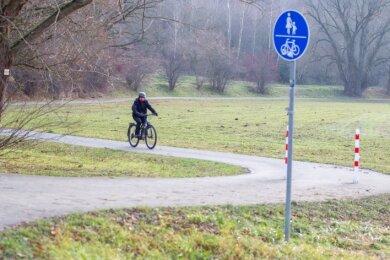 Der Elsterradweg im Bereich der Possig: Von Plauen in Richtung Straßberg und weiter nach Kürbitz verdient er den Namen Radweg.