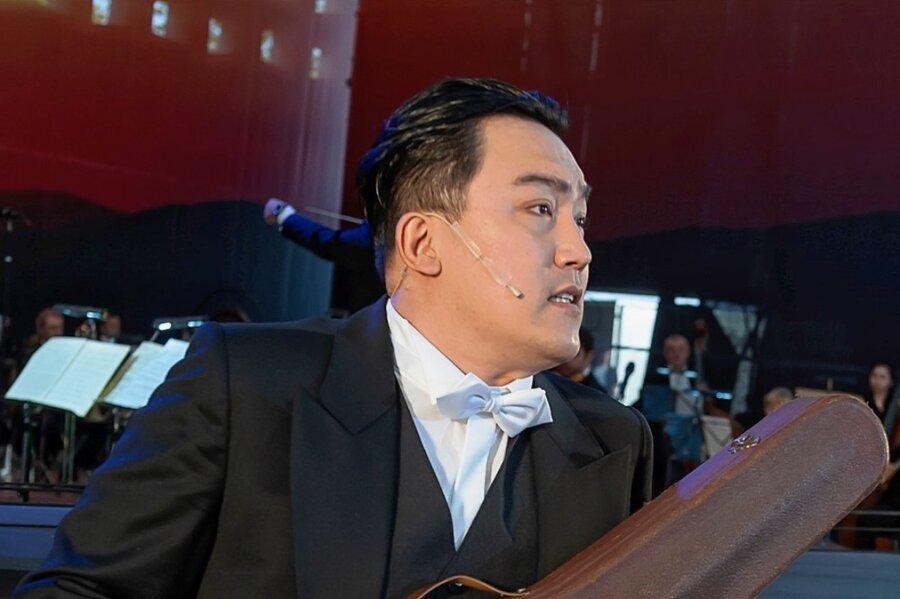"""Getrieben und zwiespältig singt Tenor Wonjong Lee in der Operette """"Paganini"""" die Titelrolle."""