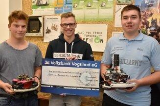 Pascal Sandner, Felix Renner und Ben Puggel (von links) freuen sich über die Unterstützung.