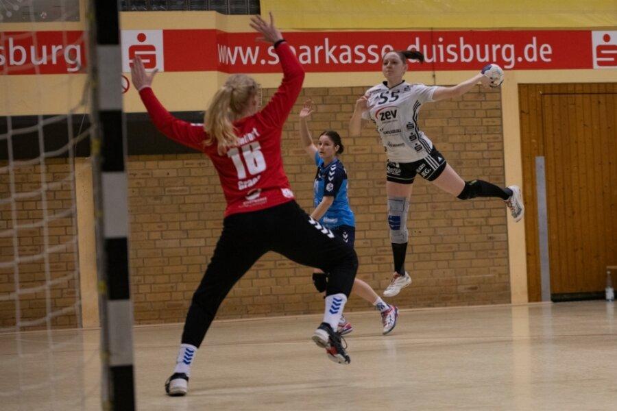 Rebeka Ertl war nicht nur vorige Woche in Lintfort (Foto) mit ihren acht Treffern die erfolgreichste Zwickauer Torschützin. Sie hat aus dem Spiel heraus bisher generell die meisten Treffer für den BSV (39) erzielt.