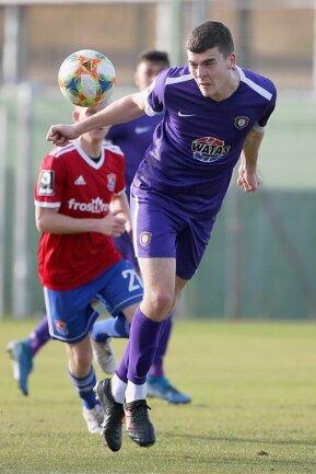 Der vom AC Florenz ausgeliehene Jacob Rasmussen bestritt im Trainingslager gegen Unterhaching sein erstes Testspiel für die Veilchen. Am Dienstag (18.30 Uhr) steht in Aue ein Test gegen Lok Leipzig an.