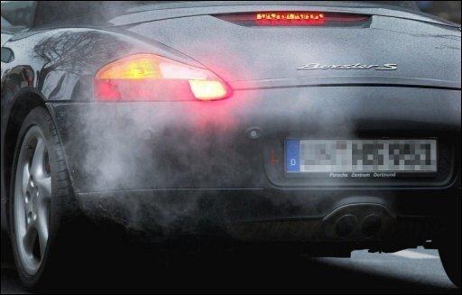 Die EU-Kommission stellt am heute ihre umstrittenen Klimaauflagen für Autobauer vor. Ab 2012 sollen Neuwagen im Schnitt nicht mehr als 120 Gramm Kohlendioxid (CO2) pro Kilometer erzeugen.