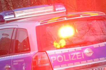 BMW kracht in Leitplanke - A72 voll gesperrt