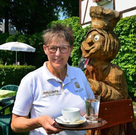 """Babette Sobe, Inhaberin der Mittweidaer Pension und Gaststätte """"Moritzburg""""."""