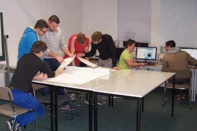 Der letzte Jahrgang lässt sich an der Fachschule für Technik noch bis Mitte 2022 in Teilzeit zum staatlich anerkannten Techniker ausbilden. Danach ist Schluss.