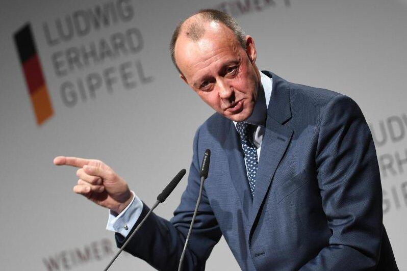 Rennen um Parteivorsitz eröffnet - Merz will CDU-Chef werden