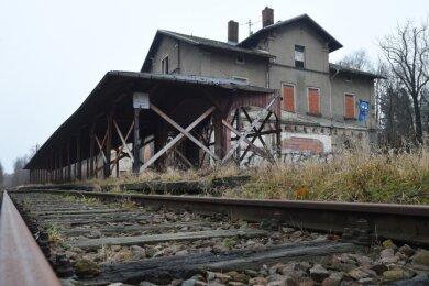 Im nächsten Jahr hätte das 150-jährige Bestehen des Limbacher Bahnhofes gefeiert werden können. Doch dazu wird es nicht kommen - bereits im Januar soll die Ruine am Ostring dem Erdboden gleichgemacht werden. Denn niemand will die millionenschwere Sanierung auf sich nehmen.