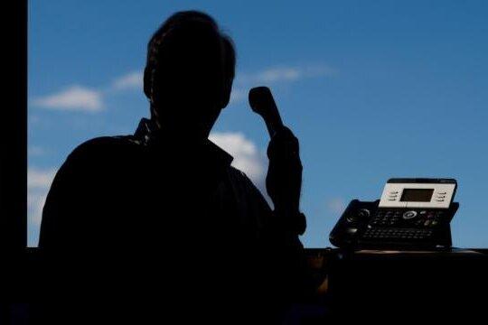 Anrufe von falschen Beamten - Polizei warnt vor Betrügern
