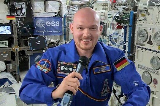 """""""Höllenritt durch die Atmosphäre"""": Astronaut Gerst kehrt heim"""