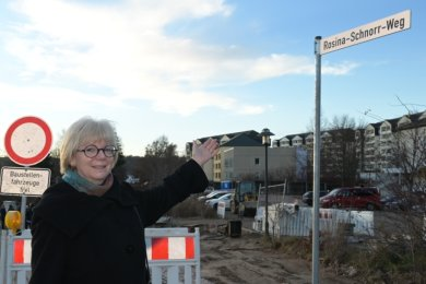 Silke Riedel vom Freundeskreis Stadtarchiv Schneeberg hat sich dafür starkgemacht, dass die neue Straße den Namen Rosina-Schnorr-Weg trägt.
