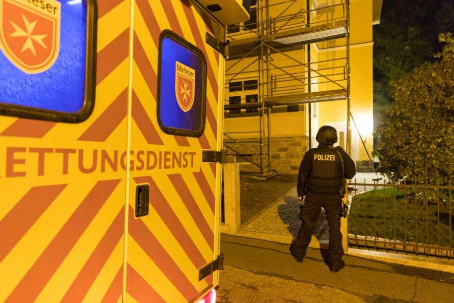 Mann erschießt Ehefrau in Freiberg
