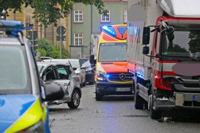 Auf dem Dr.-Friedrichs-Ring in Zwickau ist es am Donnerstagvormittag zu einem Unfall gekommen.