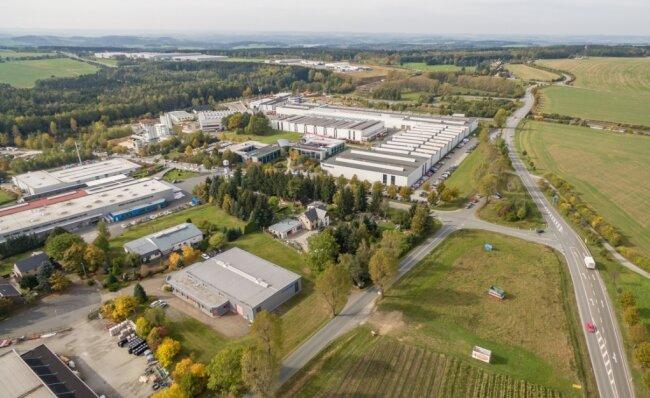 Sozusagen das Herz der vogtländischen Wirtschaft: In den Industrie- und Gewerbegebieten vor Treuens Toren auf beiden Seiten der Autobahn 72 gibt es mehr als 2600 Arbeitsplätze.