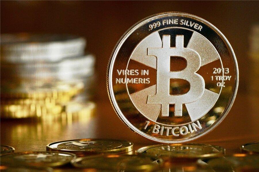 Als Münze gibt es den Bitcoin nicht wirklich. Die EU will das virtuelle Geld nun nicht mehr blockieren, sondern regulieren.