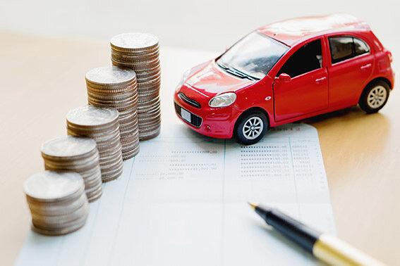 Bei der Kfz-Versicherung kann man viel Geld sparen.