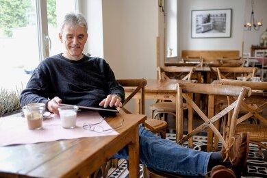 Wie stehen die Aktien? Christian Thiel in einem Berliner Café.
