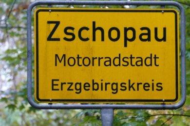 Der Titel Motorradstadt soll künftig die Zschopauer Ortsschilder zieren.