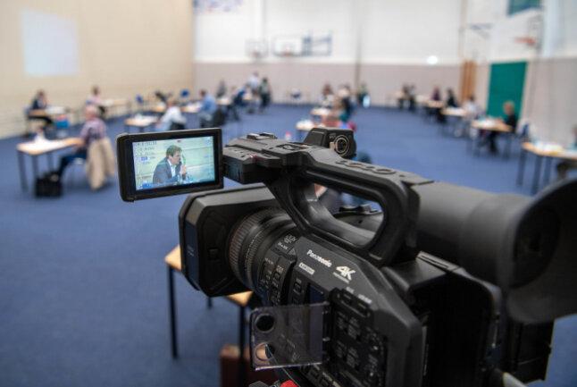 Die Sitzung des Mittweidaer Stadtrates wurde am 30. April aus der Dreifeldhalle live ins Internet übertragen. Die Stadt ist damit Vorreiter in Mittelsachsen.
