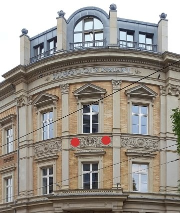 Der Fries (rote Punkte) gehört zur früheren Hauptpost.