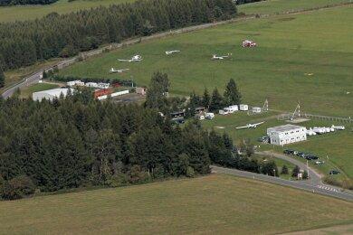 Das Gelände des Flugplatzes Großrückerswalde aus der Vogelperspektive. Am vorletzten Wochenende musste dort der Flugbetrieb kurzzeitig eingestellt werden.