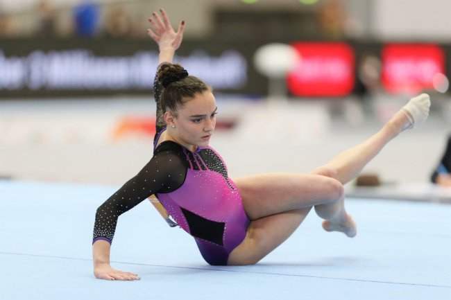 Lisa Zimmermann gewann am Boden überraschend Gold.
