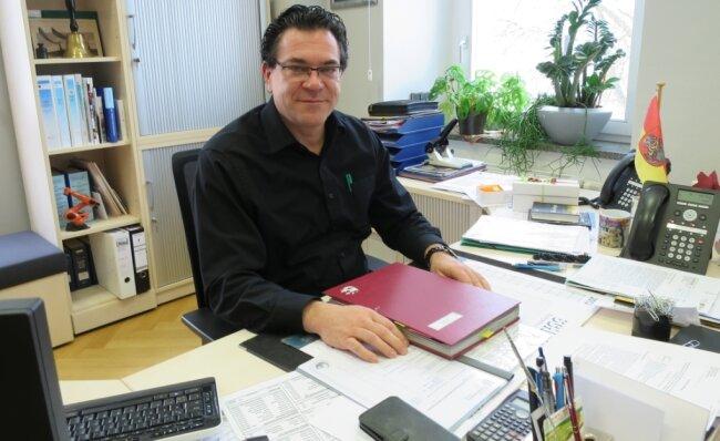 Oberbürgermeister Ruben Gehart (49) lenkt seit November 2020 die Geschicke der Stadt.