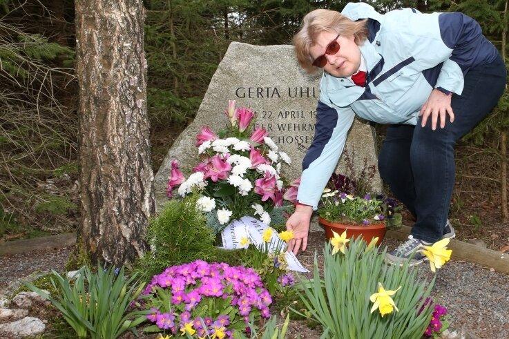 Gudrun Schumann erinnerte an das Schicksal von Gerta Uhlig, die 1945 von der Wehrmacht erschossen wurde.