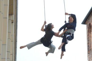 Bereits vor vier Jahren sorgte die französische Compagnie Retouramont während des Festivals Tanz-Moderne-Tanz am Stadthallenpark für spektakuläre Szenen. Auch diesmal ist die Truppe wieder eingeladen.