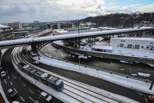 Bahnbogen: Sperrung am Etappenziel