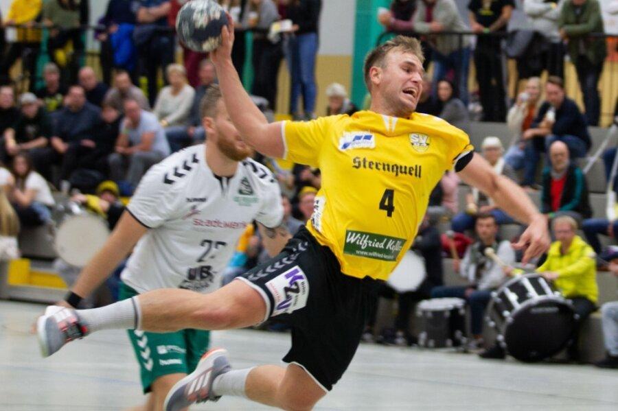 Der neue Oberlosaer Kapitän Torsten Wetzel (hier im Spiel gegen Freiberg in der vergangenen Saison) appelliert an die schwarz-gelben Fans, die Mannschaft lautstark in der heimischen Halle zu unterstützen.