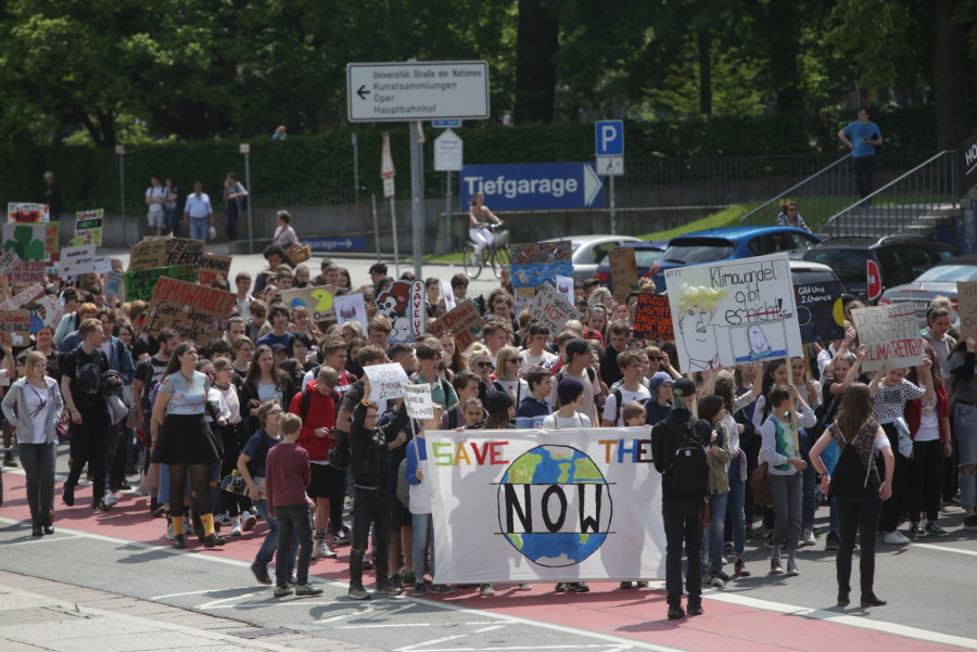 Fridays for Future-Schüler protestieren in Chemnitz
