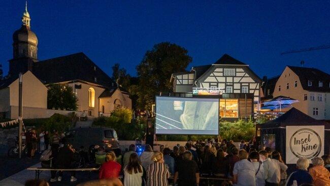 """Nach der Wendewundergeschichte """"Fritzi"""" am Nachmittag für Kinder wurde am Abend in Rodewisch der Film """"Ballon"""" gezeigt. Davor spielte noch die Band Naked Feet und sorgte für Kirmesstimmung."""