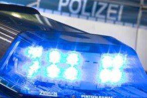 Ein Autorennen in St. Egidien hat in der Nacht zum Samstag sein Ende gefunden mit mehreren Verletzten, zwei beschädigten Autos und hohem Sachschaden.