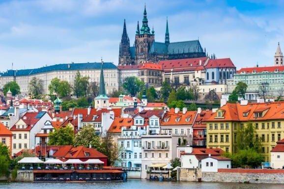 Mehr als 3000 neue Corona-Fälle in Tschechien