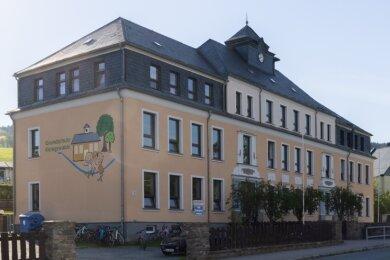 Die Grundschule in Königswalde: Rund 350.000 Euro will die Gemeinde dort investieren - vor allem in brandschutztechnische Belange.