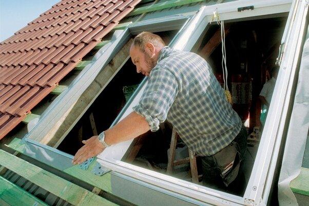 """<p class=""""artikelinhalt"""">Der Fenstertausch soll die Energiebilanz des Hauses verbessern.</p>"""