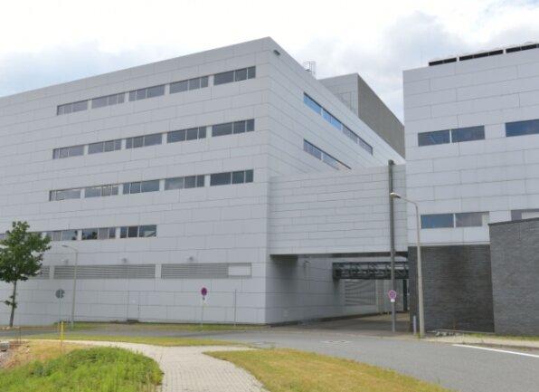 Die Firma Belchem will komplett in diesen ehemaligen Solarworld-Komplex an der Ferdinand-Reich-Straße in Freiberg umziehen.