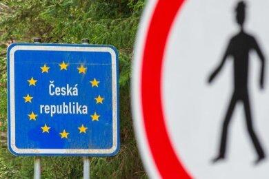 Der Freistaat Sachsen schränkt den sogenannten kleinen Grenzverkehr zu Tschechien ab Dienstag ein.