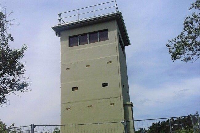 Die Betonhülle des Grenzturms wurde jetzt saniert.