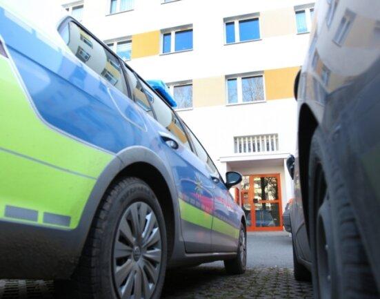 In diesem Block an der Straße der Deutschen Einheit wurde die Babyleiche vor einem Jahr gefunden. Die Mutter hatte das Baby in der Duschkabine zur Welt gebracht.