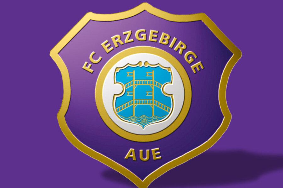 Aue feiert 1:0-Sieg in Erfurt