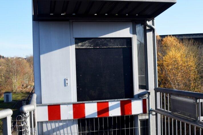 Der Fahrstuhl zum Bahnsteig in Wilkau-Haßlau ist nach einem Brand voraussichtlich mehrere Wochen außer Betrieb.