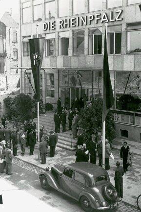 Einweihung des Verlagshauses in Ludwigshafen 1951.
