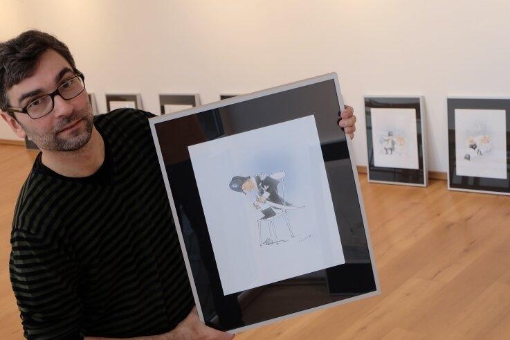 Für Galerieleiter Alexander Stoll ist die sparsame Kolorierung der Tuschezeichnungen ein Markenzeichen von Werner Rollow.