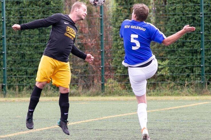 Ricardo Köhler (r.) und der BSV Gelenau sind wieder am Ball.