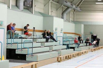Im Oktober 2020 fand das letzte Punktspiel der Oberliga-Männer in der Karl-Heinz-Freiberger-Halle statt. Gegner war - vor fast leeren Rängen - Delitzsch. Am Sonntag dürfen 180 Tickets verkauft werden.