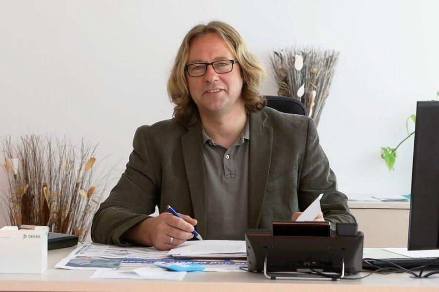 Oberwieras Bürgermeister Holger Quellmalz macht sich für eine kommunale Cyberversicherung stark.